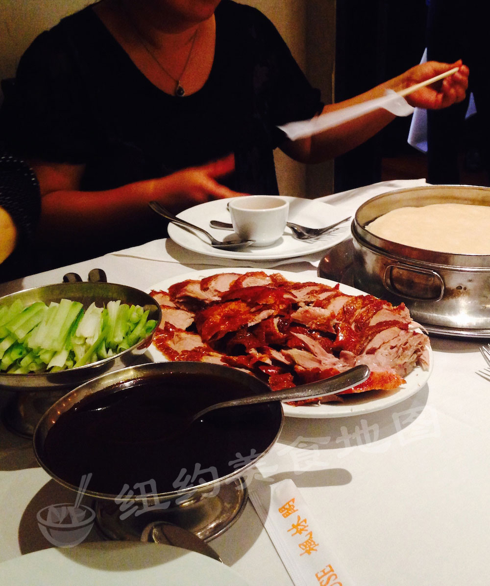 pecking-duck-house-07